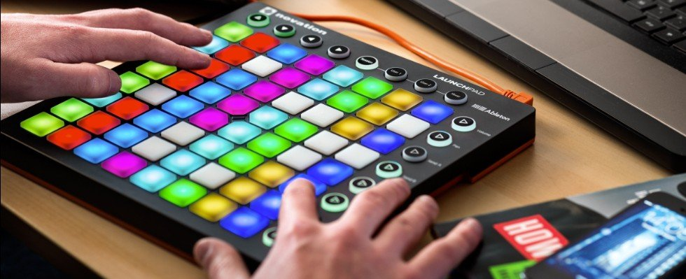 Midi контроллер клавиатура Novation Launchpad